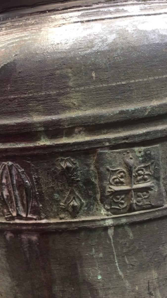 Bell Detail